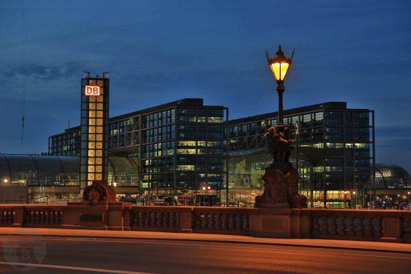 Hauptbahnhof in Berlin   © Die Buben - Oliver Bube